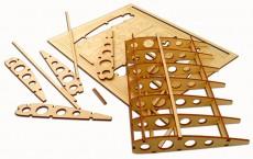 レーザーで切断加工された模型の部品
