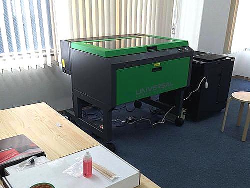 CO-BOXスタッフ様のレーザー加工機VLS6.60