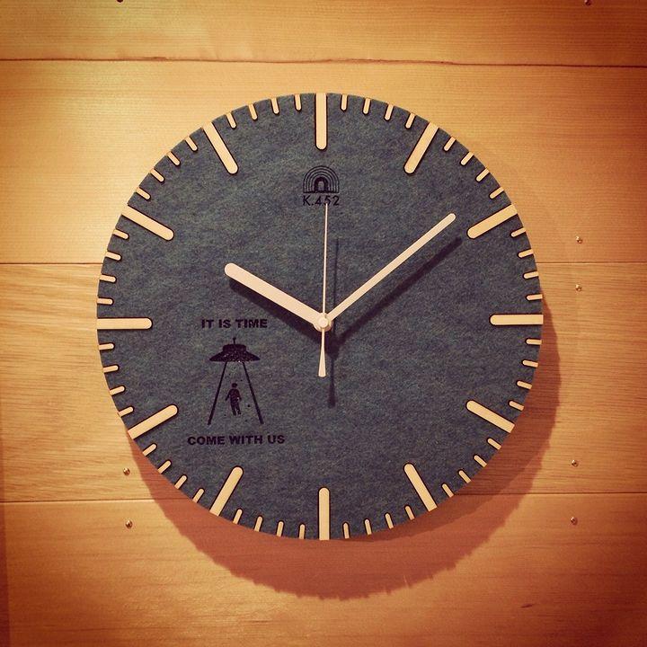ケーヨンゴーニ様のフェルトの壁掛け時計