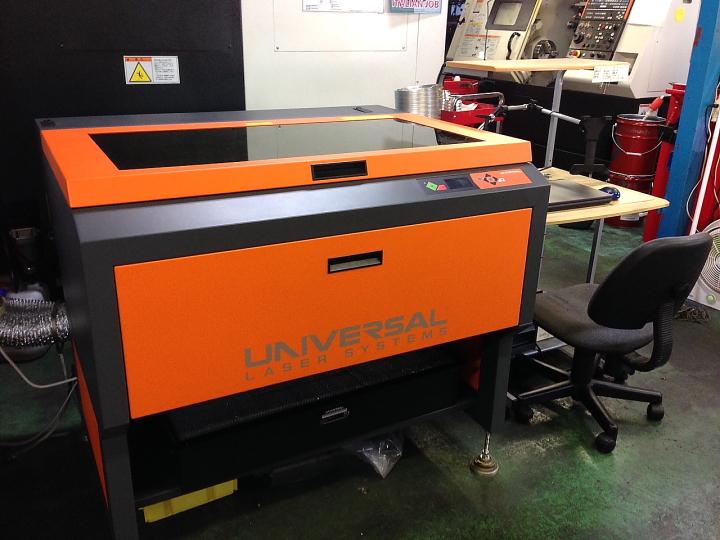 マエカワエンジニアリング様のレーザー加工機PLS6MW