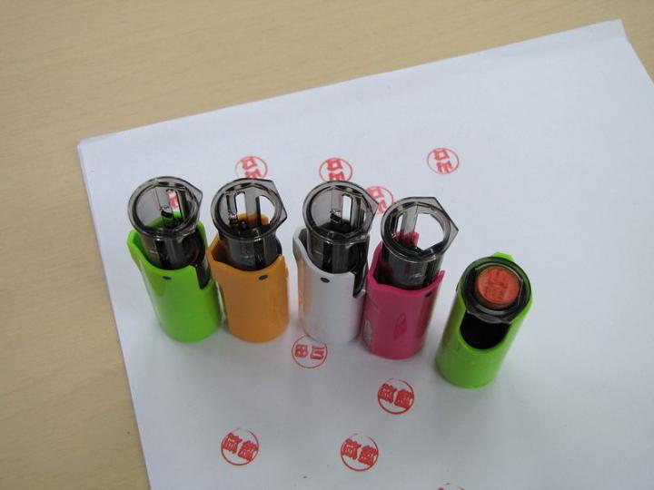 ヨコハマシステムズ2014大阪展示会場の様子-ゴム印のレーザー加工